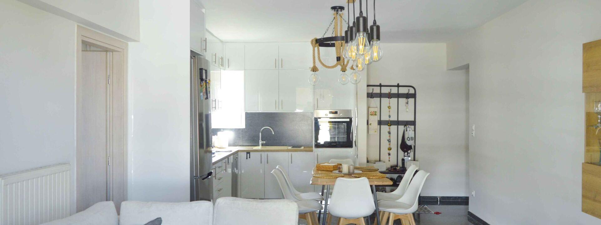 ανακαινιση-σπιτιου-επιπλα-κουζινας-σαλονι